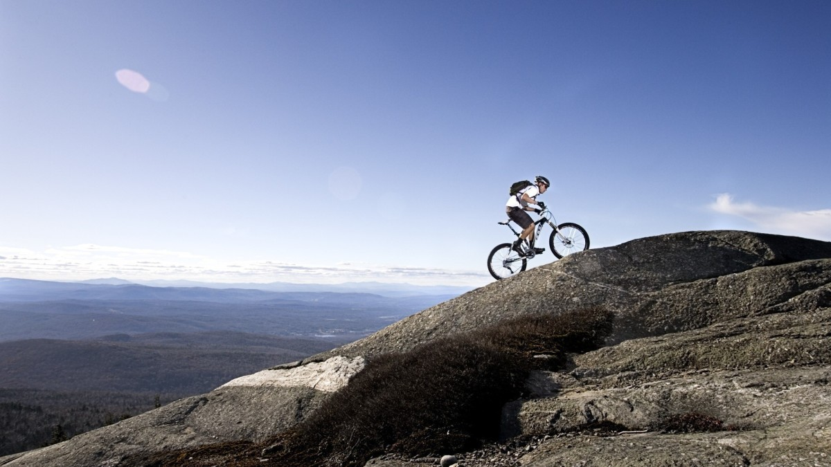 Bikes-Travel-Mountain-Bike-Wallpaper